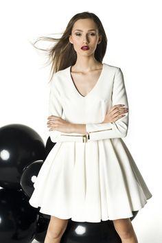 Sukienka damska Sukienka rozkloszowana z długim rękawem i dekoltem , od projektanta Manshmari | Mustache.pl