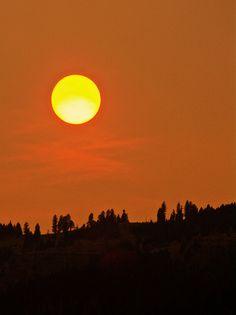 An interesting shot of the setting sun!