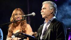Melina Aslanidou, Vassilis Skoulas live