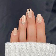 Subtle Nails, Basic Nails, Simple Acrylic Nails, Summer Acrylic Nails, Classy Nails, Stylish Nails, Trendy Nails, Classy Nail Designs, Short Nail Designs