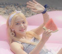 Check out Black Velvet @ Iomoio Red Velvet Joy, Red Velvet Irene, Black Velvet, Seulgi, Kpop Girl Groups, Korean Girl Groups, Kpop Girls, Sooyoung, K Pop