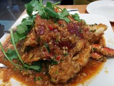 This is a lovely curry dish which makes use of various spices and herbs. It is rich, flavorful and with a hint of creaminess which comes from the co… Curry Dishes, Spices And Herbs, London Food, Tasty Dishes, Meatloaf, Goats, Pork, Beef, Buttons