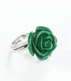 """Ring met groene roos """"Petra Reyrink"""" van bamboekoraal  @miysu.nl"""