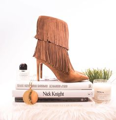 """Things that make us feel 10000% better about fall: a fresh Le Labo  this gold Céline medallion  these fringe-y @sam_edelman boots. It's that easy, we…"""