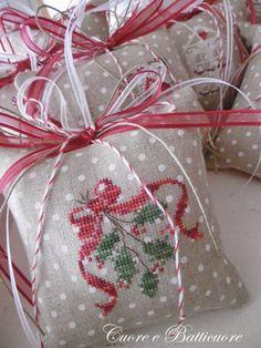 Cuore e Batticuore: Christmas ornaments                                                                                                                                                      More