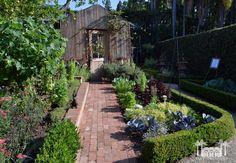 2014 Garden Tour: Pathways to Paradise Photos - Robinson GardensRobinson Gardens