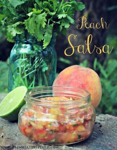 Salsa doesn& get fresher or better than this! Sweet, juicy peaches paired with garden fresh veggies that taste amazing with fish, chicken or by the spoon Paleo Sauces, Paleo Recipes, Mexican Food Recipes, Real Food Recipes, Cooking Recipes, Yummy Food, Healthy Food, Salsa Verde, Salsa Salsa