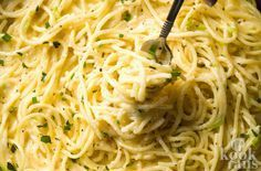 This delicious spaghetti recipe is unique and is bringing a delicious meal to many, imitating a sort of 'adult mac-n-cheese. Pasta Noodles, Pesto Pasta, Dutch Recipes, Italian Recipes, Pasta Recipes, Cooking Recipes, Cheese Spaghetti, Sauce Tomate, Risotto