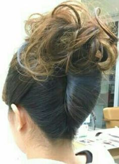 Roll Hairstyle, Hair Dos, Rolled Hair, Bobby Pins, Hair Accessories, Japan, Beauty, Beautiful, Fashion