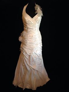 Linea Raffaelli style off the peg sample wedding dress in off white colour, halterneck size uk 14 at rosemantique your online bridal shop Wedding Dresses With Flowers, Wedding Dresses With Straps, Wedding Dresses For Sale, Buy Wedding Dress Online, Affordable Wedding Dresses, Party Dresses, Formal Dresses, Off White Color, Gowns