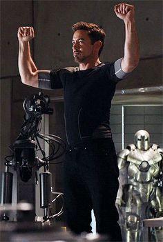 𝐌𝐀𝐑𝐕𝐄𝐋 ━ one shots Hero Marvel, Marvel Comics, Marvel Fan, The Avengers, Thanos Avengers, Robert Downey Jr., Playboy, Ironman, Iron Man Tony Stark