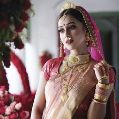 Stunning Bengali Brides That Are The New Trendsetter! Swoon Over These Gorgeous Bengali Brides And Their Gorgeous Bridal Attire. For more such bridal inspirations, stay tuned with shaadiwish. Bengali Bridal Makeup, Bengali Wedding, Bengali Bride, Bengali Saree, Indian Bridal Hairstyles, Indian Bridal Outfits, Indian Bridal Wear, Indian Wear, Wedding Day Makeup