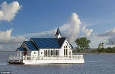 World's only floating church non-denominational services while in the intra-coastal waters of Sarasota, Florida. Old Country Churches, Old Churches, Country Roads, Take Me To Church, Chapel Wedding, Wedding Ceremony, Wedding Venues, Cathedral Church, Church Building