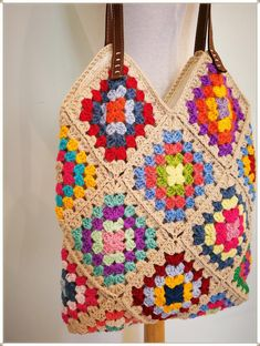Affordable handbags - A collection of modern purses to express your creativity and style. Granny Square Bag, Granny Square Crochet Pattern, Crochet Granny, Crochet Patterns, Bag Crochet, Crochet Handbags, Crochet Purses, Hippie Style, Hippie Chic
