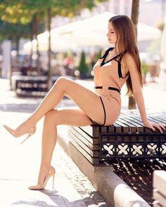 Beautiful Long Hair, Beautiful Gorgeous, Hipster Girls, Sexy Legs And Heels, Healthy Women, Young Models, Bikini Bodies, Pretty Woman, Fitness Inspiration