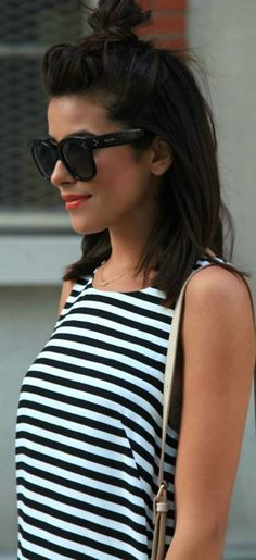 Haut perché, le chignon! © Pinterest Just the design tee shirt rayé rayures cadual bob carré long