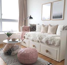 New room decor diy ideas bedrooms pillows Ideas Daybed Room, Ikea Hemnes Daybed, Hemnes Day Bed, Bed Rooms, Daybed In Living Room, Daybed Bedding, Guest Rooms, Living Room Decor, Bedroom Decor