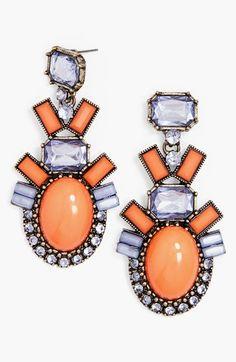 Bold statement earrings http://rstyle.me/n/jqqahnyg6