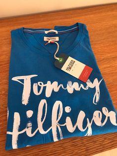Moje Modré tričko s nápisem, zn. Tommy Hilfiger denim od Tommy Hilfiger! Velikost 34 / 6 / XS za590 Kč. Mrkni na to: http://www.vinted.cz/damske-obleceni/tricka/19910707-modre-tricko-s-napisem-zn-tommy-hilfiger-denim.