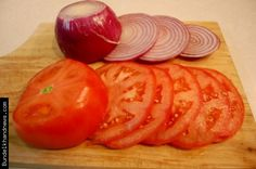 Cry onion tomato Red