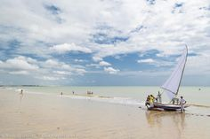 Praia Cumbuco, Ceará.  Conheça as melhores praias do Brasil >>> http://www.guiaviagensbrasil.com/blog/category/melhores-praias/