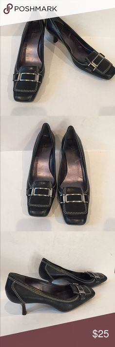 Gently Used slip on Coke Haan heels size 8 Auth Cole Haan ladies dark green leather heels shoes/pumps Size 8B wear to work nice out rubber soles..these shoes are in awesome condition there are no stains or rips....thanks for looking. Cole Haan Shoes Heels