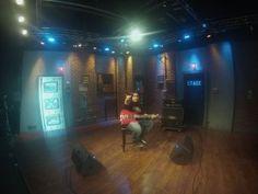 O jovem músico de 15 anos LUÍS KALIL não para de quebrar barreiras e mostrar seu talento pelo mundo todo. O guitarrista acaba de voltar dos EUA onde foi o primeiro brasileiro a se apresentar no tradicional programa EMGtv. Um dos principais programas do gênero nos Estados Unidos, já levou nomes como Zakk Wylde, Jeff Loomis, Andy James, entre outros. LUÍS KALIL registrou quatro músicas de seu...