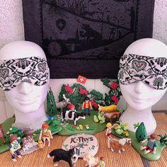 """Masque de sommeil """"La Poya"""", masque de nuit, masque de voyage Suisse, coton Oeko-Tex - kthyscreations.com Art Populaire, Aide, Sleep, Beauty, Sleep Mask, Overnight Mask, Paper Artwork, Cotton, Beauty Illustration"""