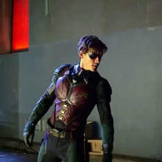picture this, but. With all black matte suit with glossy electric blue across the chest on to shoulders till the fingertips. Titans Tv Series, Dc Tv Series, Batman Sidekicks, Most Popular Tv Shows, Richard Grayson, Brenton Thwaites, Robin Dc, Hq Dc, Detective Comics