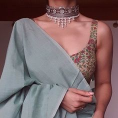 Indian Fashion Dresses, Dress Indian Style, Indian Designer Outfits, Trendy Sarees, Stylish Sarees, Simple Sarees, Indian Wedding Outfits, Indian Outfits, Indian Clothes