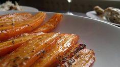 carottes rôties au four avec du miel, du thym et de l'ail