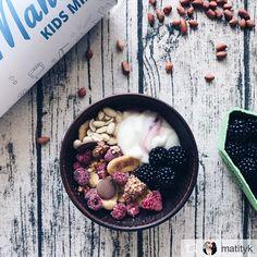"""""""Oh, my god 🙀🙀🙀  Підгледіла у @nata_fedorchuk ідеальний сніданок ❤️  Апетит прокидається просто дивлячись на наповнення тубуса😍  Ну, а скуштувавши... 😲🤤 Дуже гарно все підібране один до одного. @muesli_mania_  ван лав💕""""  Приємно читати такі відгуки😍  Дякуємо @matityk за таку прекрасну публікацію!  #мюсліманія #відгук #мюслі #гранола #сніданок"""