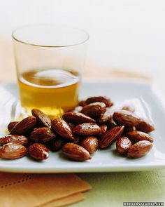 Tamari-and-Maple-Roasted Almonds - These tangy glazed nuts go perfectly with a glass of sherry.Return to Healthy Almond Menu Spicy Almonds, Roasted Almonds, Candied Almonds, Appetizer Recipes, Snack Recipes, Yummy Snacks, Healthy Desserts, Tapas Recipes, Sweets