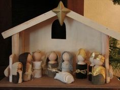 homemade Nativity ideas--I might let the children pick one they each want to work on for the season.