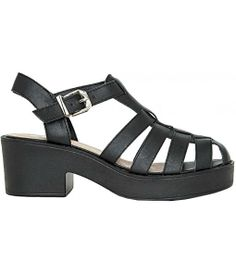 Chunky black sandals are so fun!