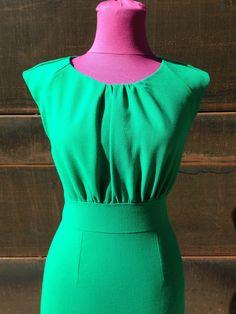 Abito tubino in crepes di lana verde smeraldo