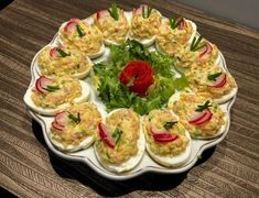 Wielkanocne jajka faszerowane - Blog z apetytem Avocado Egg Salad, Polish Recipes, Easter Recipes, Food To Make, Sushi, Deserts, Food And Drink, Appetizers, Healthy Eating