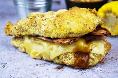 Make this recipe for a delicious Fakeaway Slimming World KFC Double Down Burger instead of getting a fast food takeaway! Almost syn free! Kfc, Healthy Eating Recipes, Cooking Recipes, Healthy Meals, Healthy Food, Duck Recipes, Xmas Food, Baked Chicken Recipes, Slimming World Recipes