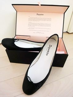 "the-crown-queen:  I adore high heels but, I cannot say ""no"" to the timeless Repetto flats."