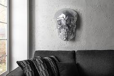 Exklusive Totenkopf Wandskulptur SKULL XXL 42cm silber Deko Schädel Totenschädel - Ein kultiger Totenschädel als aufsehenerregende Wanddekoration Holen Sie sich jetzt den Dekoschädel, der in jedem Amb