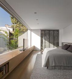 19/02/2013 - Casa K a San Paolo del Brasile è stata progettata da Arthur Casas per una giovane coppia con figli. Il cliente desiderava ristrutt