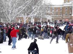 ▶ Snowball fight on UW Madison Bascom hill - YouTube (Winter is coming!)