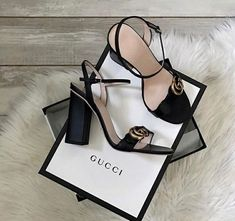 Ideas Sneakers Damen Gucci For 2019 Heeled Boots, Shoe Boots, Shoes Heels, Shoe Bag, Strappy Heels, Dream Shoes, New Shoes, Cute Shoes, Me Too Shoes