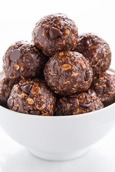 No Bake Chocolate Energy Bites - loved these! They taste like no bake cookies but they are healthy! Easy to make too.