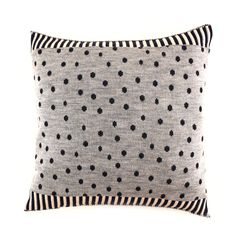 Imaginative Rain° Pillow – babasouk.ca : These knitted pillows are the result of a new collaboration with my precious friend and designer SHiliconfETTi°. The inspiration comes from Holland but...