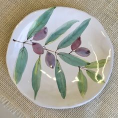Maiolica Pottery and Watercolor ​Paintings Glazes For Pottery, Pottery Bowls, Ceramic Pottery, Pottery Art, Ceramic Clay, Ceramic Painting, Porcelain Ceramics, Clay Plates, Ceramic Plates