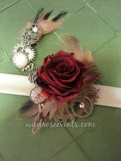 Want to make a statement with your corsage and bout, this steampunk inspired set will stick out in any crowd. #foreverrose #steampunk #dallasflorist #wildroseevents #prom #wedding