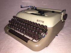 Portable typewriterErika 10 mechanische Schreibmaschine kaffee/cappuccino von nostalgiehauscom auf Etsy