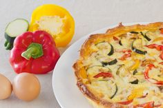 Wanna make Instant Pot Tomato Bell pepper Quiche? Oh and I also have FREE pressure cooker recipes especially for you :) Quiche Au Brocoli, Zucchini Quiche, Vegetable Quiche, Cake Aux Olives Vertes, Quiches, Egg Recipes, Mexican Food Recipes, Stuffed Pepper Soup, Stuffed Peppers