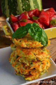 Uwielbiam gotować: Placuszki z cukinii i marchewki